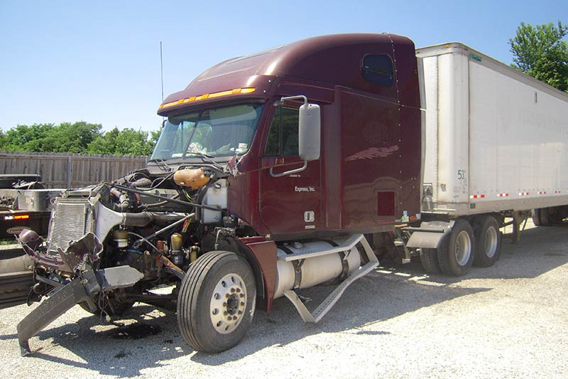 Truck Accident Attorney Kansas City (Get The Largest Settlement)